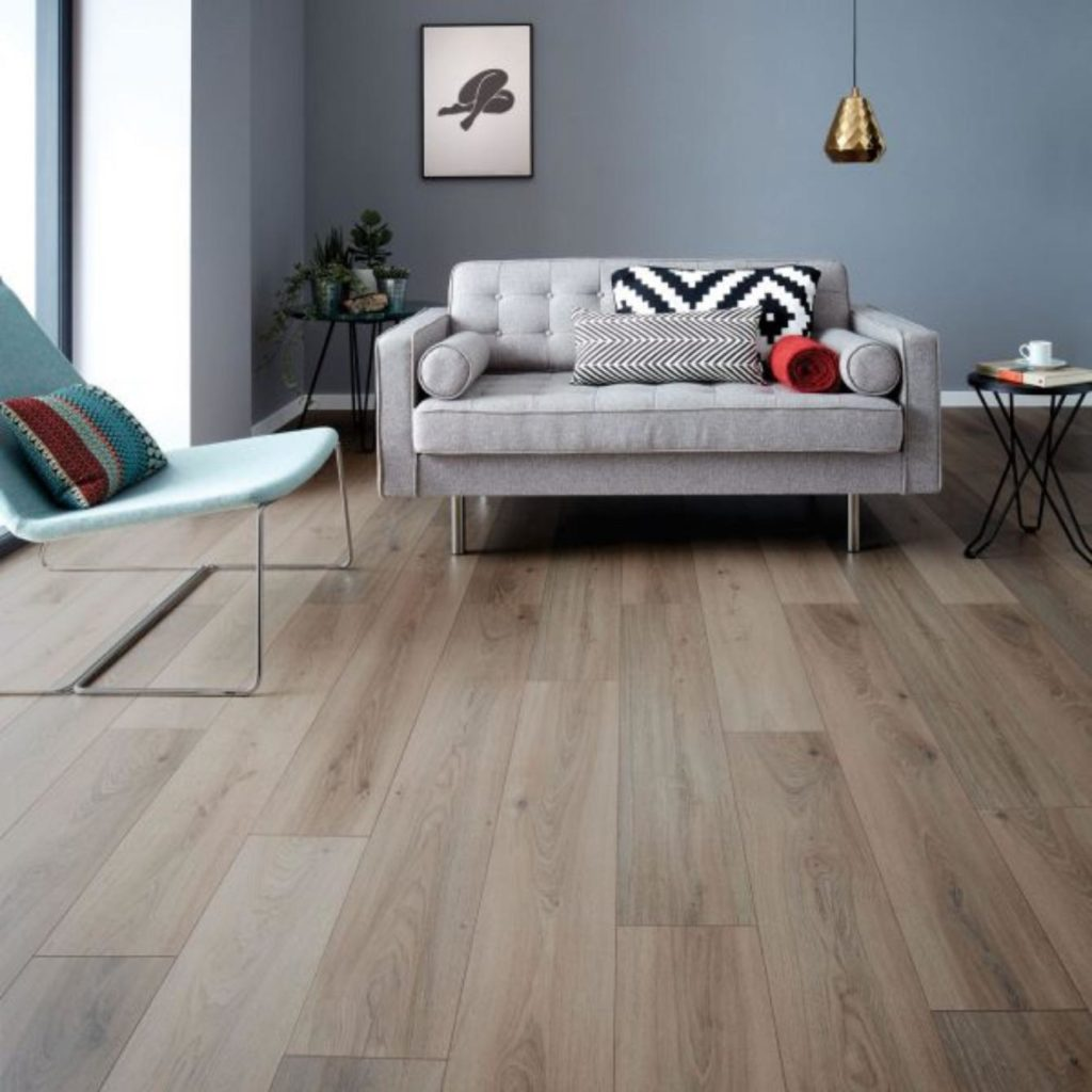 Woodpecker laminate for a living room